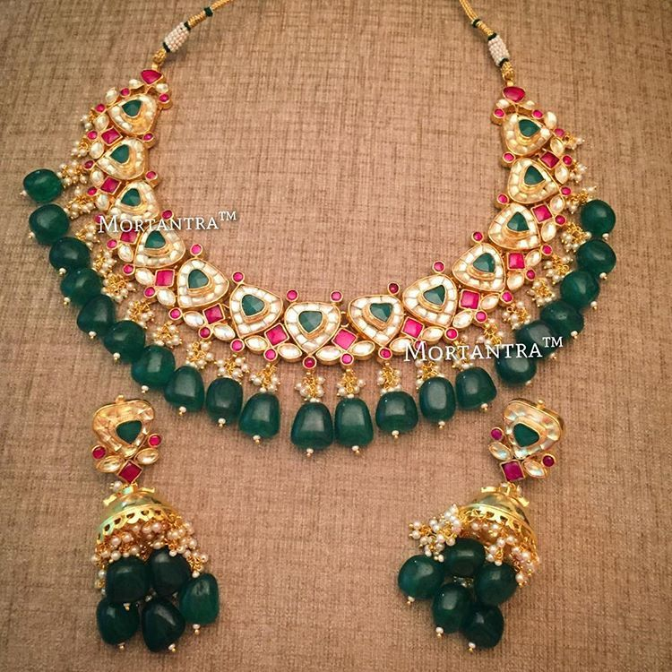 7a13d312f2a85 The full set of the earrings we posted today - Karishma Tanna's ...
