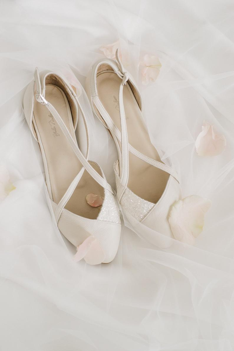 Wedding Shoes White Wedding Shoes Bridesmaid Wedding Etsy In 2020 Bride Shoes Wedding Shoes Bridesmaid Wedding Shoes