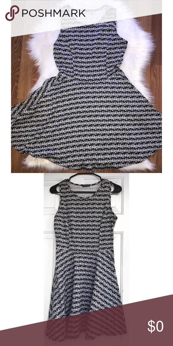 Like New‼️ Blk & White Skater Dress 👗🖤⚪️ Like New‼️ Excellent Condition. Label Size L. Soprano Dresses Mini