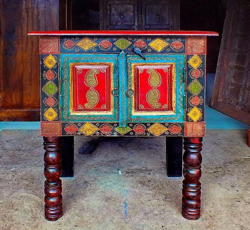 Table Indienne Peinte Et Embossee Jn4 La08a Meubles Indiens Meubles Peints Fantaisistes Mobilier De Salon Decoration Indienne