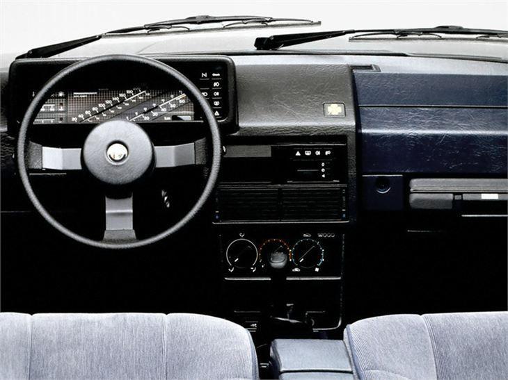 Alfa Romeo 155 Interior