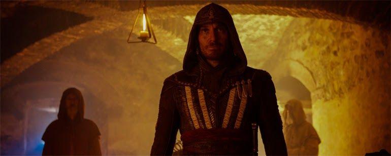 """Assassins Creed: Michael Fassbender descubre que su destino está en su sangre en el nuevo tráiler  """"Dirigida por Justin Kurzel ('Macbeth') la película basada en la saga de videojuegos de Ubisoft se estrena en España el 23 de diciembre."""" ..."""