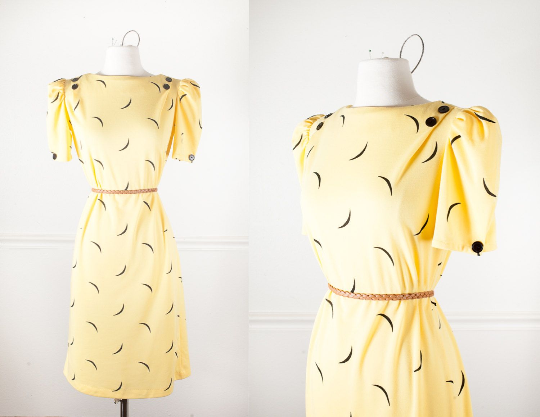 80s Crescent MOON Print Yellow Dress / MOD 60s Style Shift Dress / Vintage Yellow Dress / Graphic Print 80s Dress / 1980s Avant Garde Dress by BlueHorizonVintage on Etsy