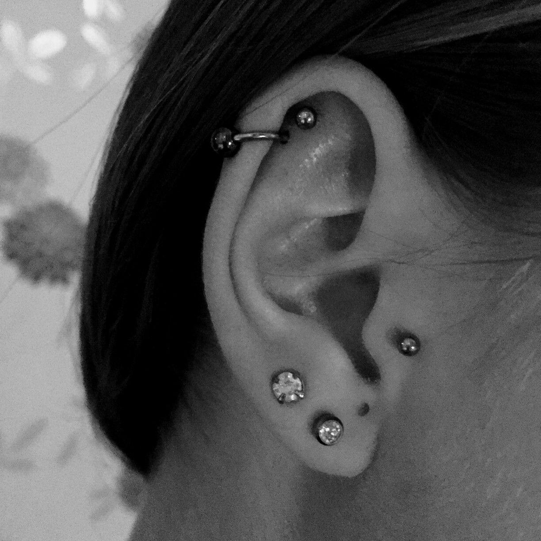 Snug piercing ideas  HELIX TRAGUS AND LOBE PIERCINGS earpiercing helix tragus lobe