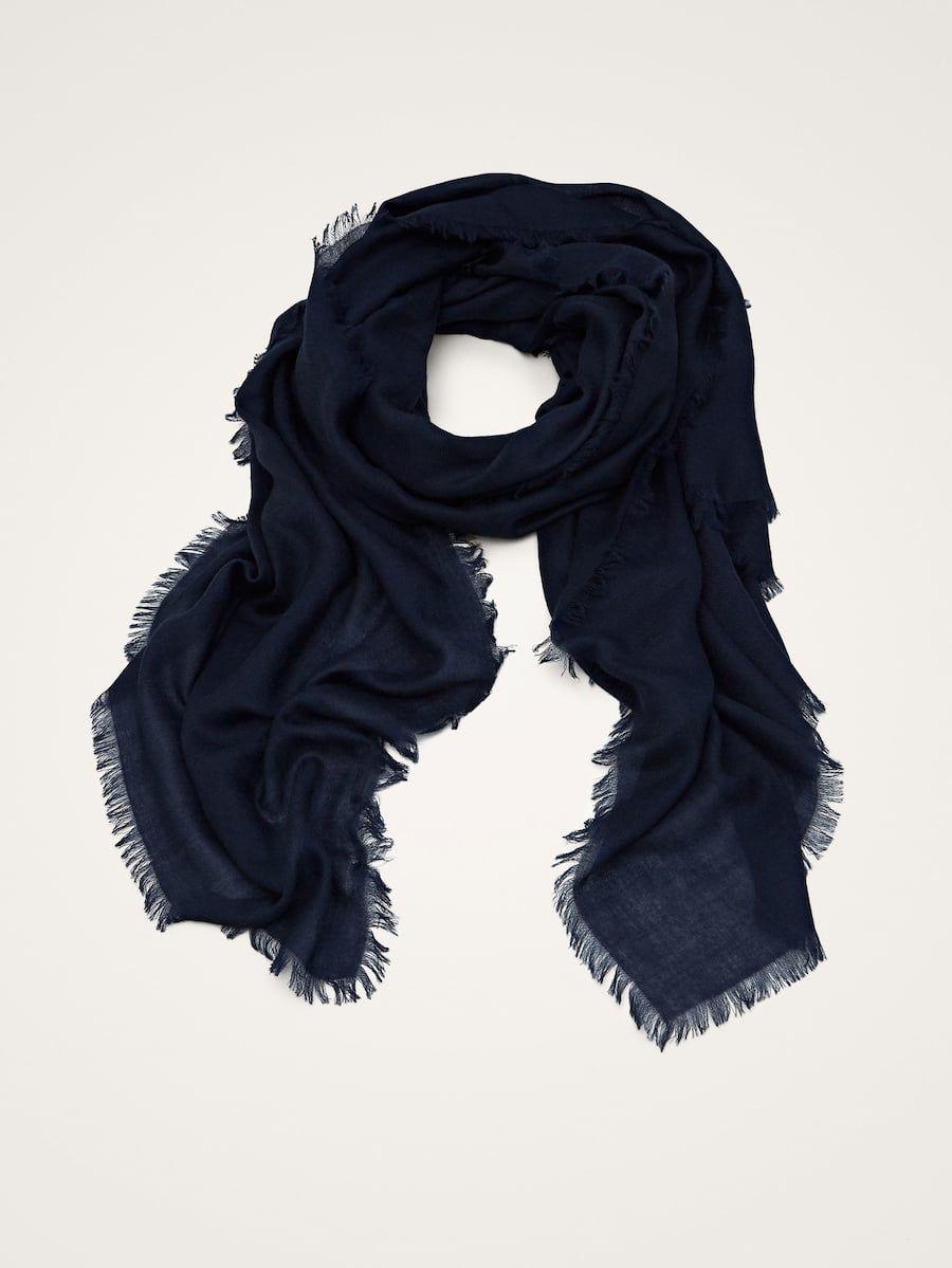Te mejorarás riñones No de moda  SOLID 100% CASHMERE SCARF - Women - Massimo Dutti | Cashmere scarf women,  Scarf, Womens scarves