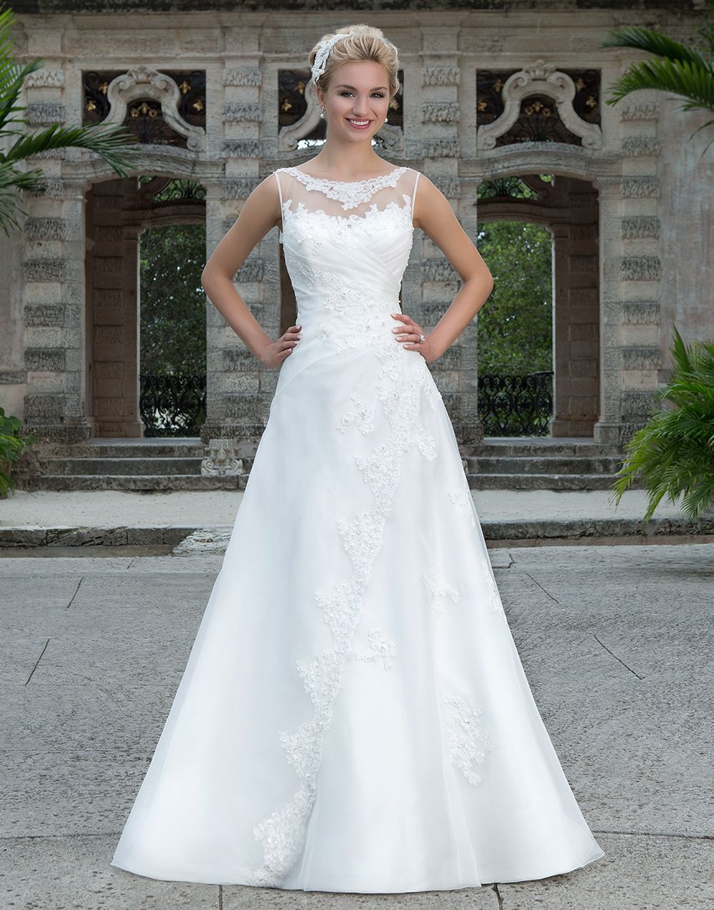 Sincerity wedding dress style ivory size this classic a