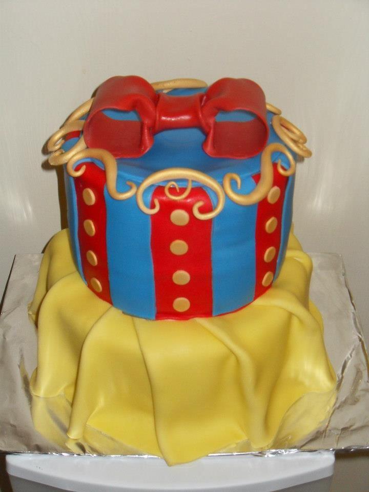 Fondant Snow White Cake