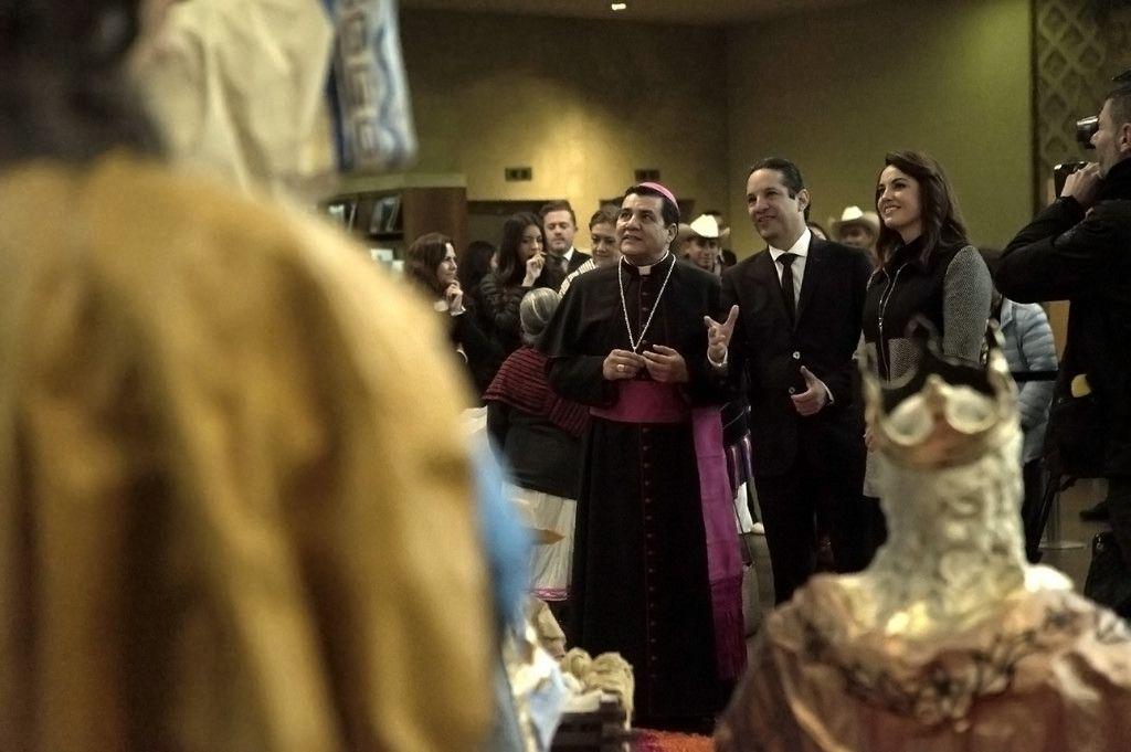 Autoridades visita El Vaticano con nacimiento queretano