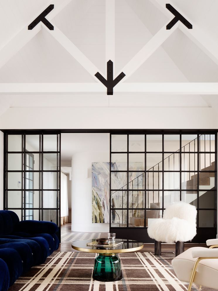 Balancing Home - Picture gallery #architecture #interiordesign #livingroom #beams #glass