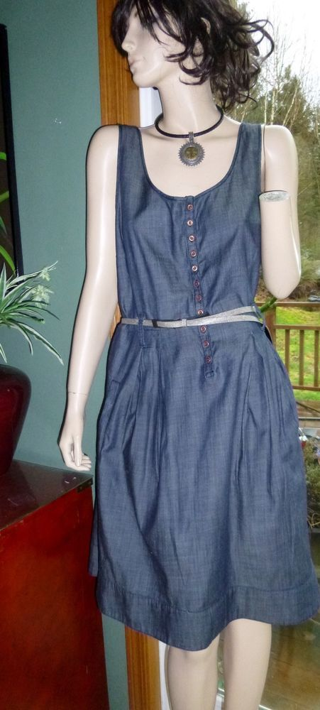 Tommy Hilfiger blue chambray sleeveless dress size 16 (looks new) #TommyHilfiger #ShirtDress #Casual