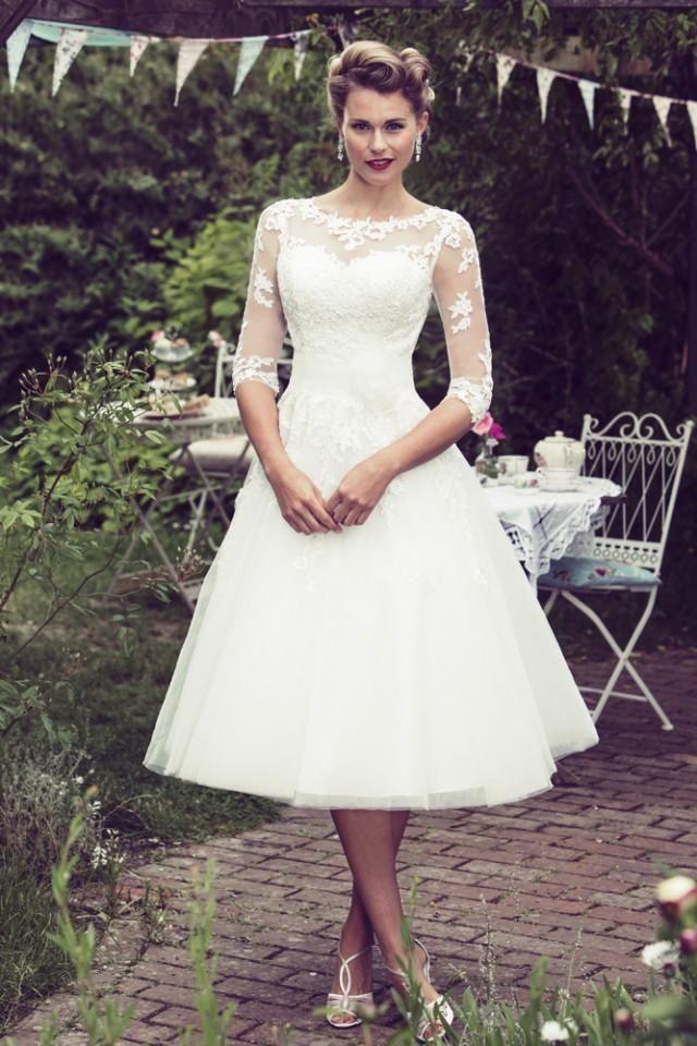 Fuchsia Fifties Dress Google Zoeken Tea Length Wedding Dress Vintage Wedding Dress Organza Tulle Wedding Dress