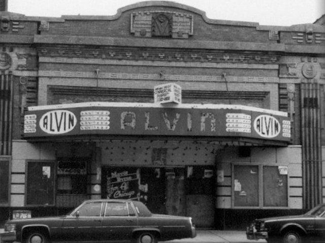 Alvin Theatre 1612 1614 W Chicago Avenue Chicago Il 60622 Chicago Show Place Chicago Skyline
