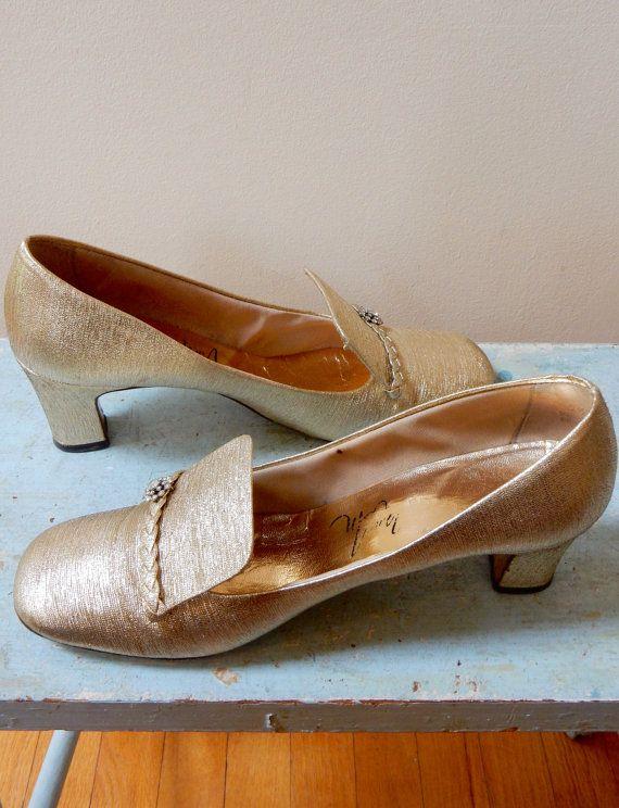c72dc716598 1960s Mod Party Shoes Thom McAn Gold Lame  High Braided Vamp Rhinestones  Fleurettes Flirty Fascinators