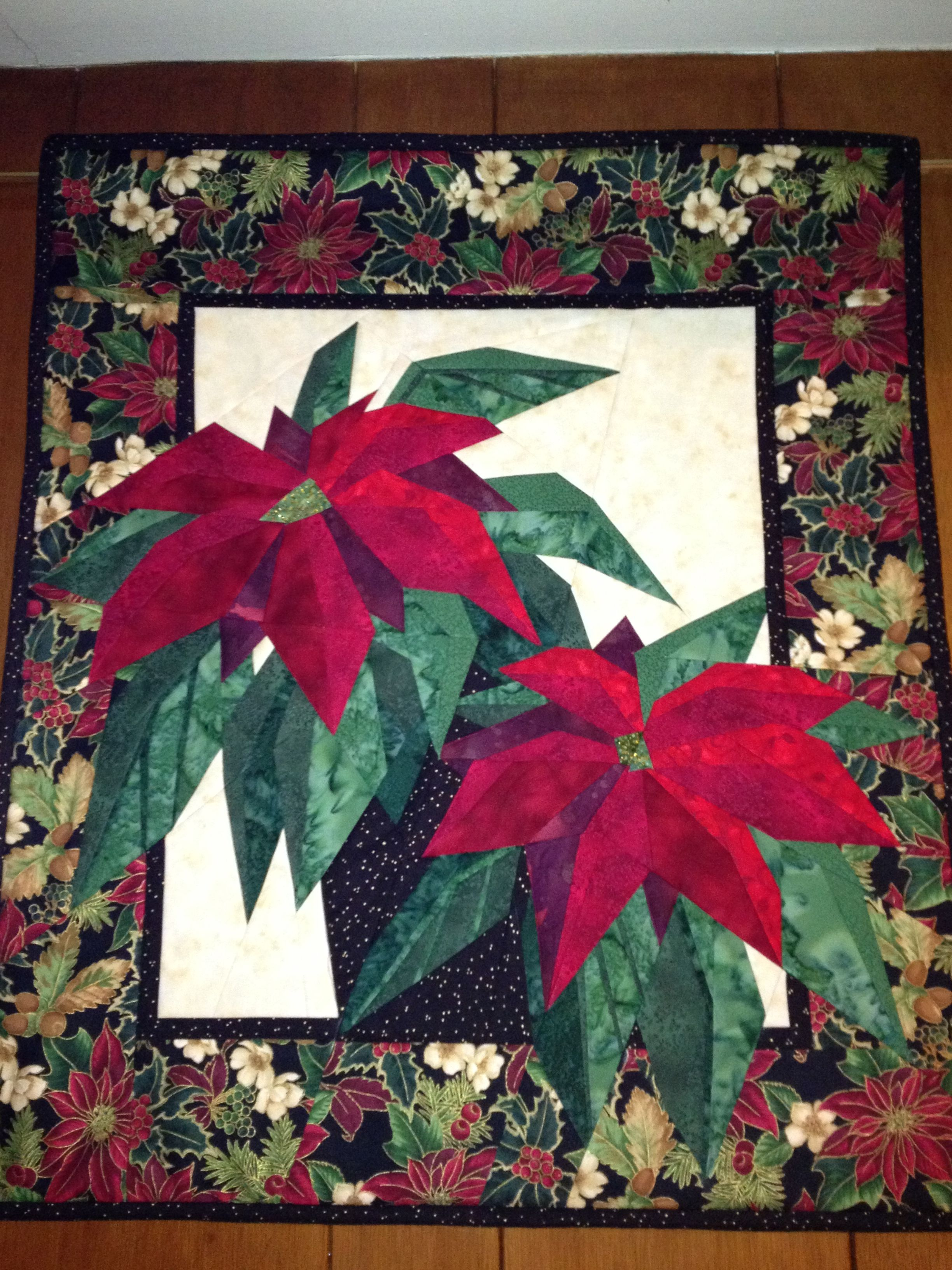 poinsettia quilted wall hanging with images christmas on wall hangings id=98709