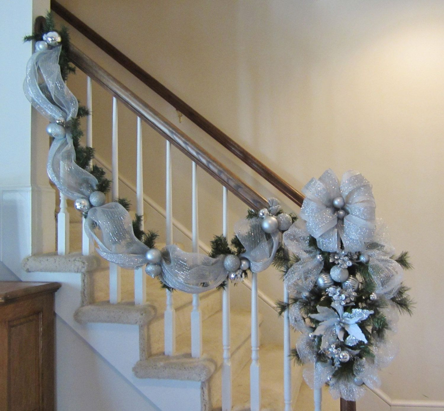 Christmas stair case garland swag wreath stairway for How to decorate a banister