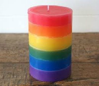 How To Make Crayon Wax Candles  (I saved ALL the crayons that my students used in my teaching years.  This I'm going to do.)