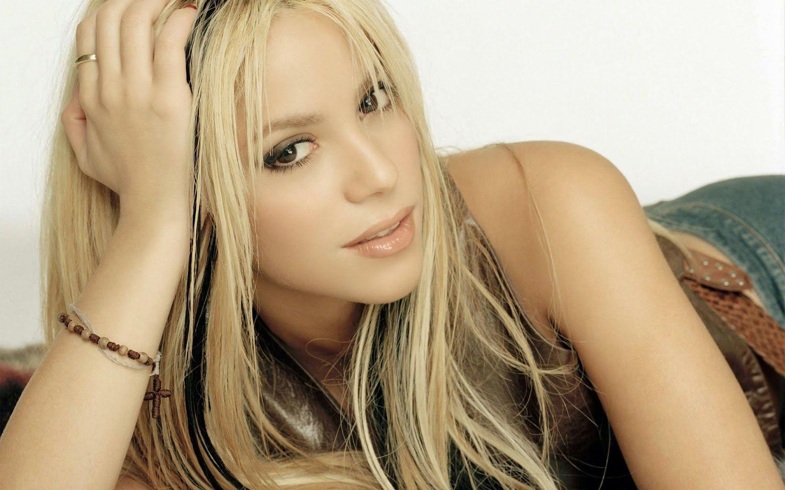 Famous Singer Shakira Hd Free Desktop Wallpaper Download