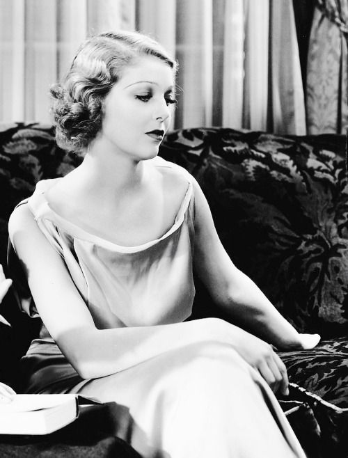 Loretta Young photographed for Week-End Marriage, 1932