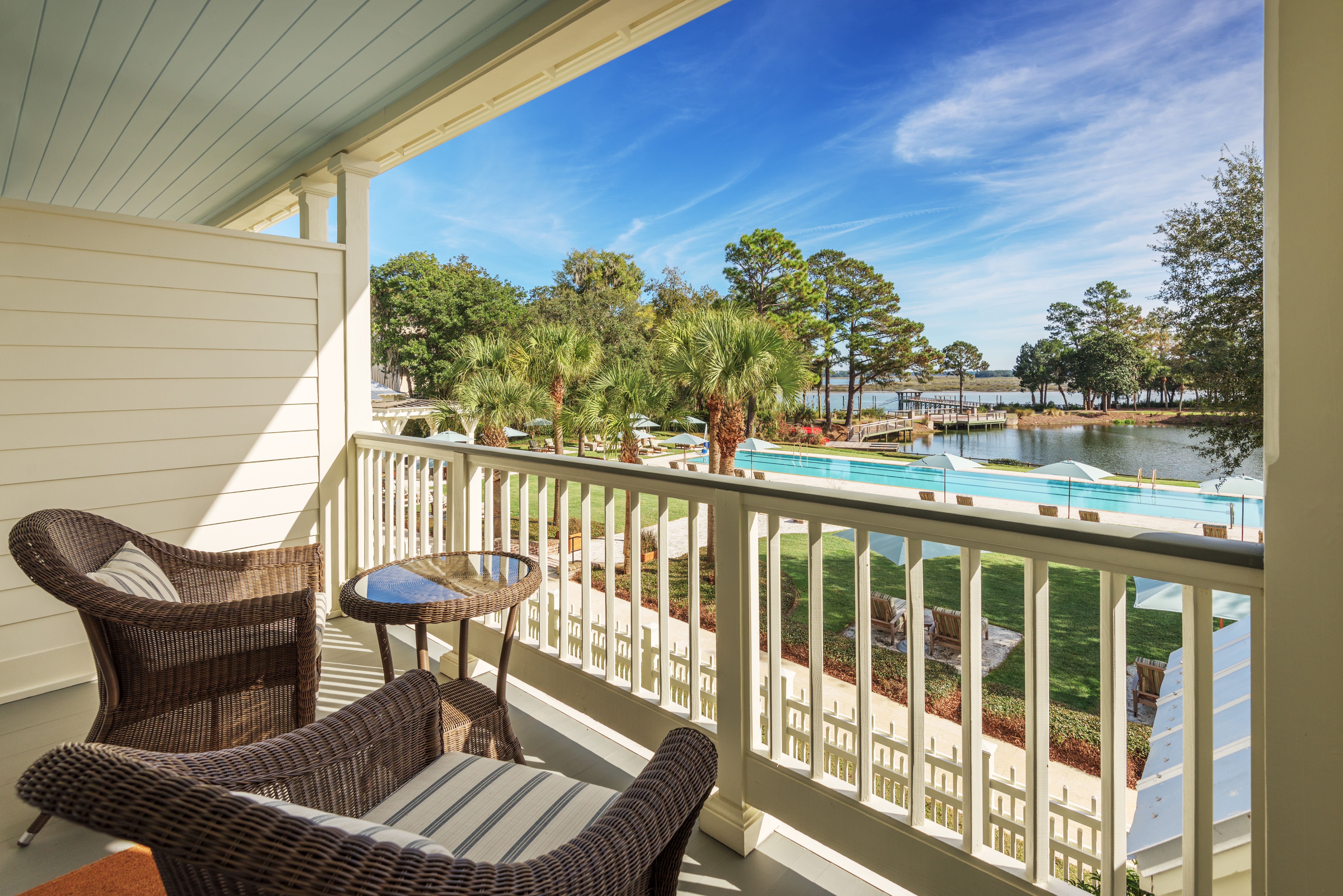 Inn at palmetto bluff south carolina luxury hotel pool view hotel room at montage