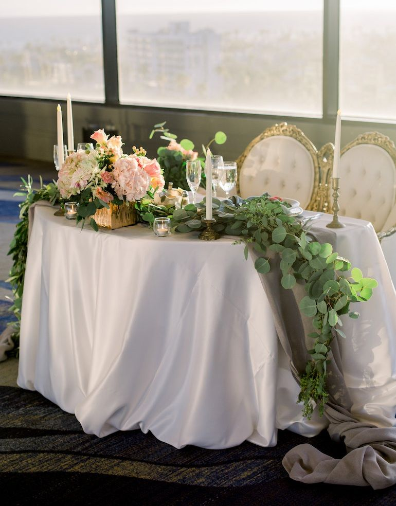 Courtney Kaveh Wed In Style At The Marriott Marina Del Rey Sweetheart Table Wedding Hotel Wedding