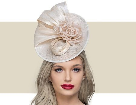 41623cf1c6b58 This CAMI coral sinamay fascinator hat features a hot pink silk flower and  detail. Get it here today along with others from Gold Coast Couture.