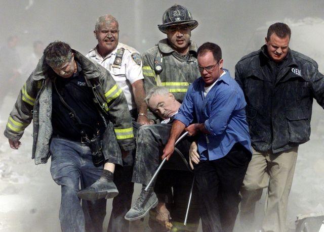 9//11 Attacks World Trade Center Ruins PHOTO Fireman South Tower New York FDNY