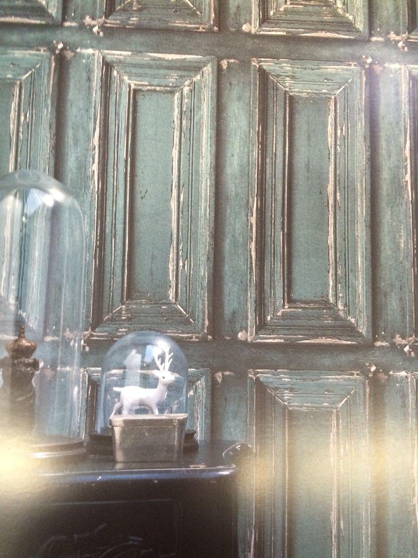 Authentiek behang met oude panelen