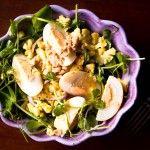 Egg, Cauliflower and Pea greens for the memory - Mieliruokaa: Skarppi-salaatti
