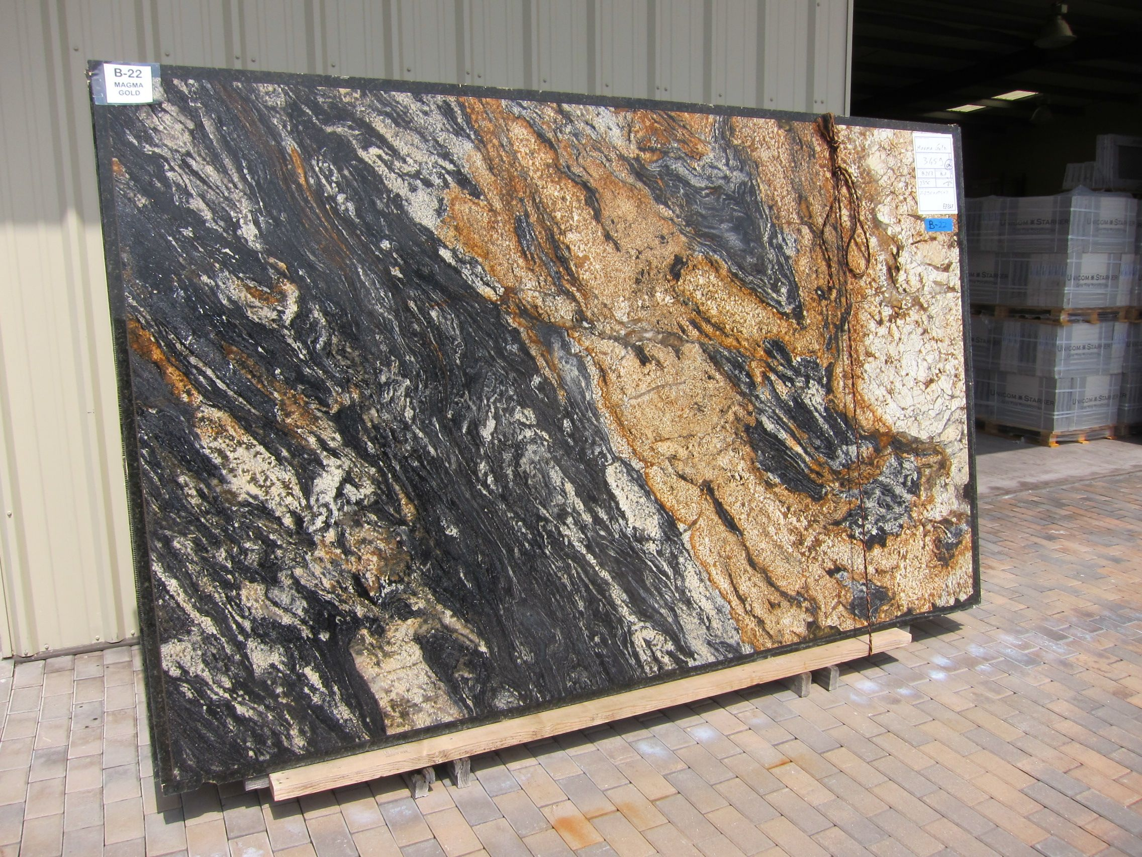 Granite - Magma Gold | from Italy