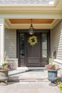 Bungaloft Living traditional-entry