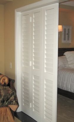 Louvered doors new ideas pinterest doors basements and bedrooms - Plantation louvered closet doors ...