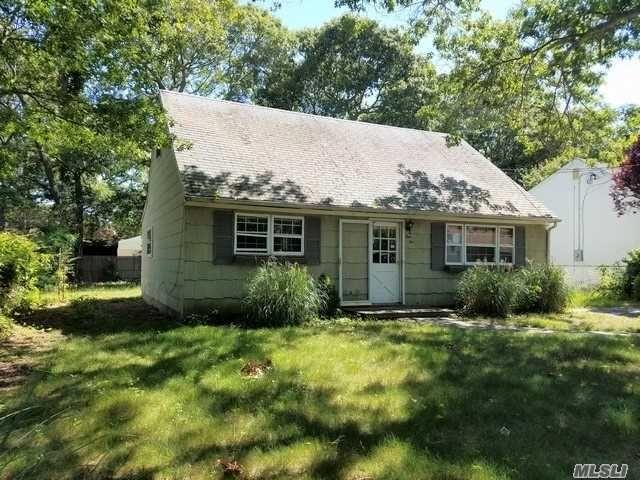 110 Hampton Ave Mastic Ny Mls 2956785 New York Hud Homes