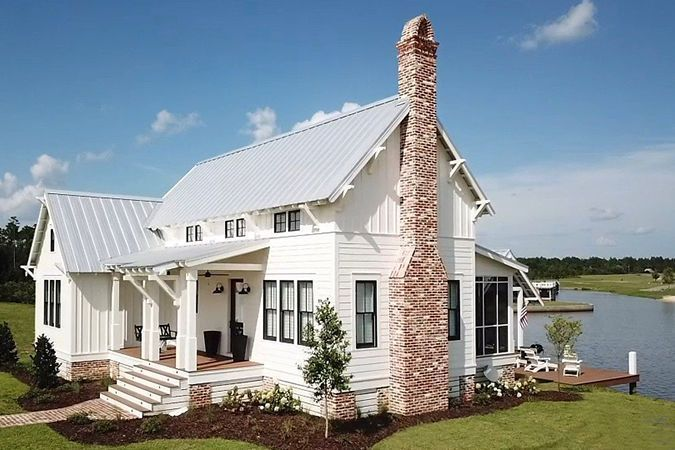 Ready To Downsize These House Plans Under 1 800 Square Feet Are Perfect For Empty Nes In 2020 Empty Nester House Plans Southern Living House Plans Cottage House Plans