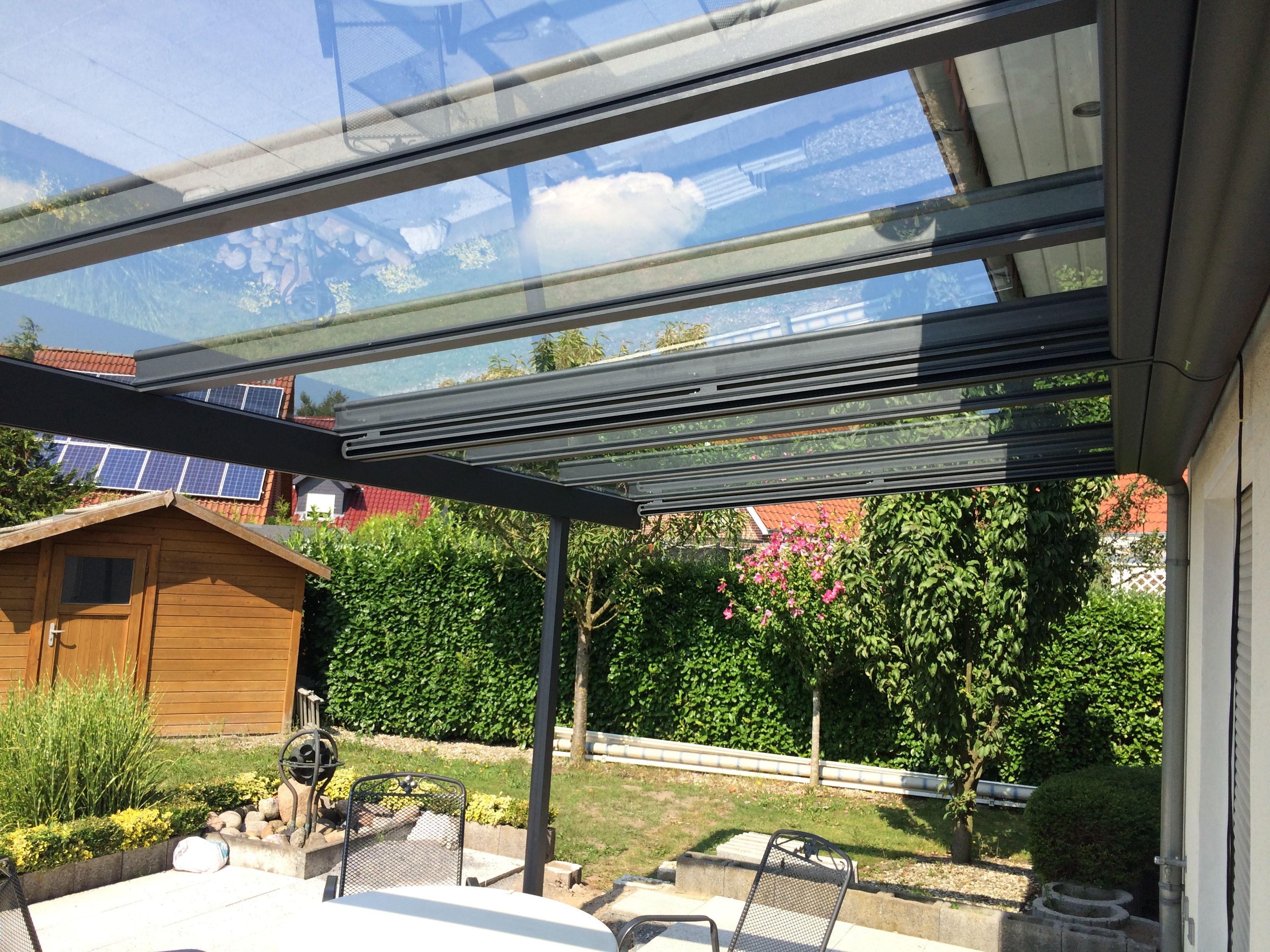 Perfekter Wetterschutz Fur Die Terrasse Mit Unterbau Markisen Und Led Beleuchtung Vom Sonnensc Uberdachung Terrasse Terrassendach Terrassenuberdachung