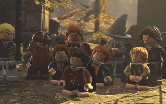 GAMES Esse jogo é muito amor! Como se já não bastasse toda a magia do universo de Senhor dos Anéis o jogo em LEGO é todo cheio de adaptações engraçadas. Nós jogamos tanto esse quanto o LEGO Star Wars, mas em questão de jogabilidade achei o Senhor dos Anéis mais completo. Meu personagem favorito é o Gimli, que em versão lego virou o personagem mais fofo do mundo. <3