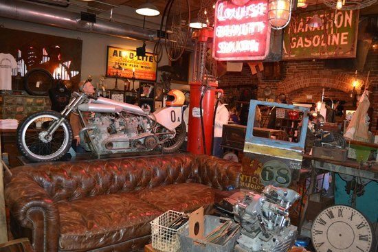 American Pickers Nashville Small Place With Long Wait To Get In
