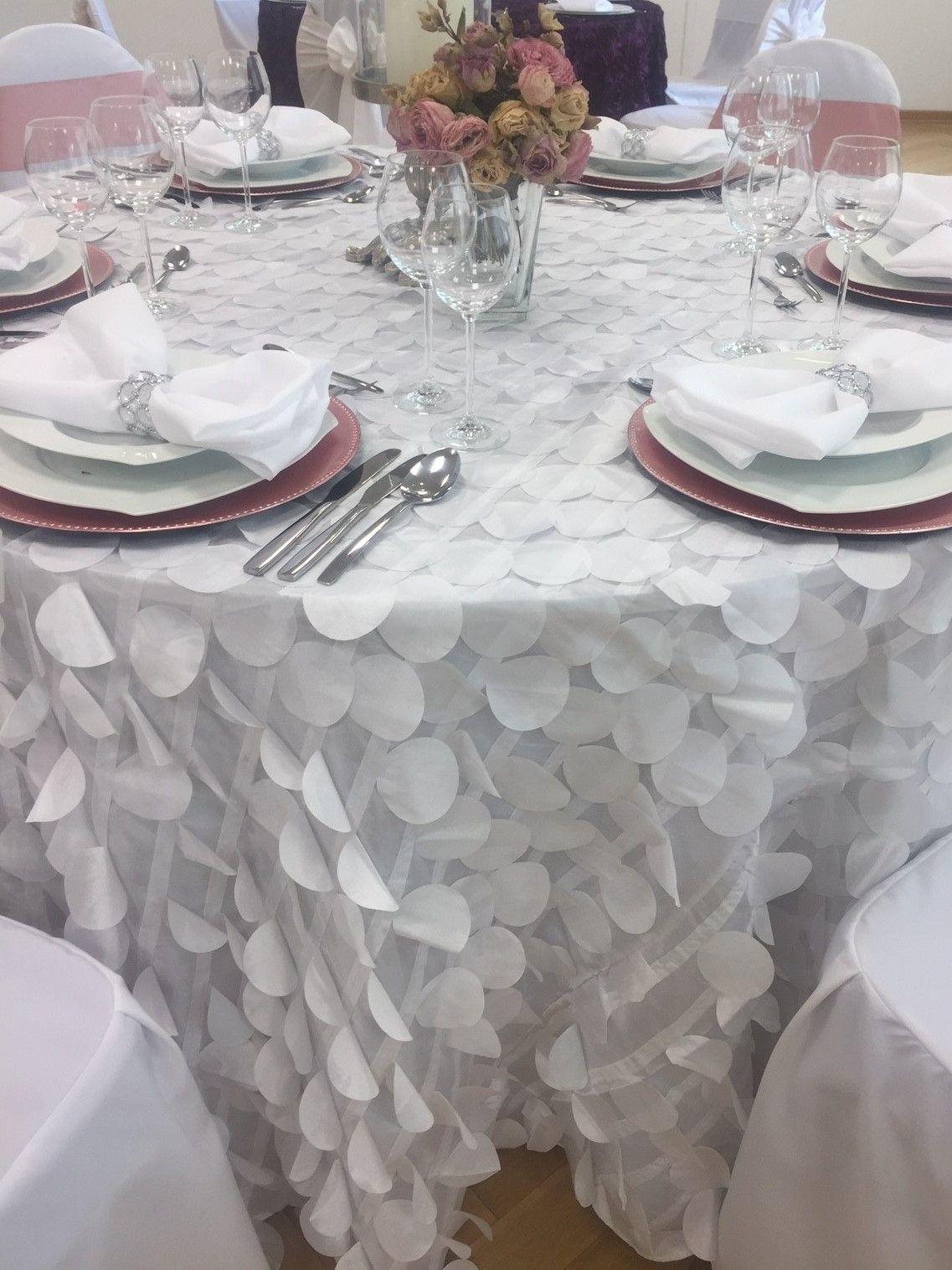 Wir Lieben Extravagantes Du Auch Unsere Weisse Konfetti Tischdecke Ist Perfekt Fur Dich Tischdecke Deko Weihnachten Tisch Tischdecke Nahen