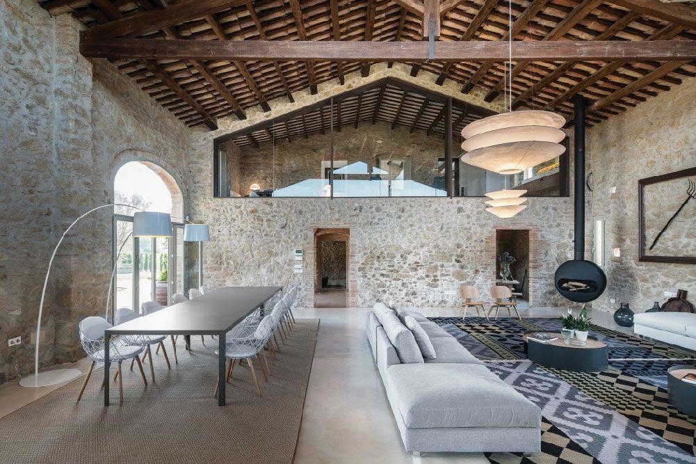 Elegante Casale A Girona Completamente Ristrutturato Dettagli Home Decor Fienili Ristrutturati Casa Industriale Case In Pietra