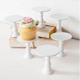Mini Wooden Cupcake Stands Maybe Easy To Make From The Wood Pieces At Hobby Lobby Or Michaels Single Cupcake Stand Wooden Cupcake Stands Mini Cake Stand