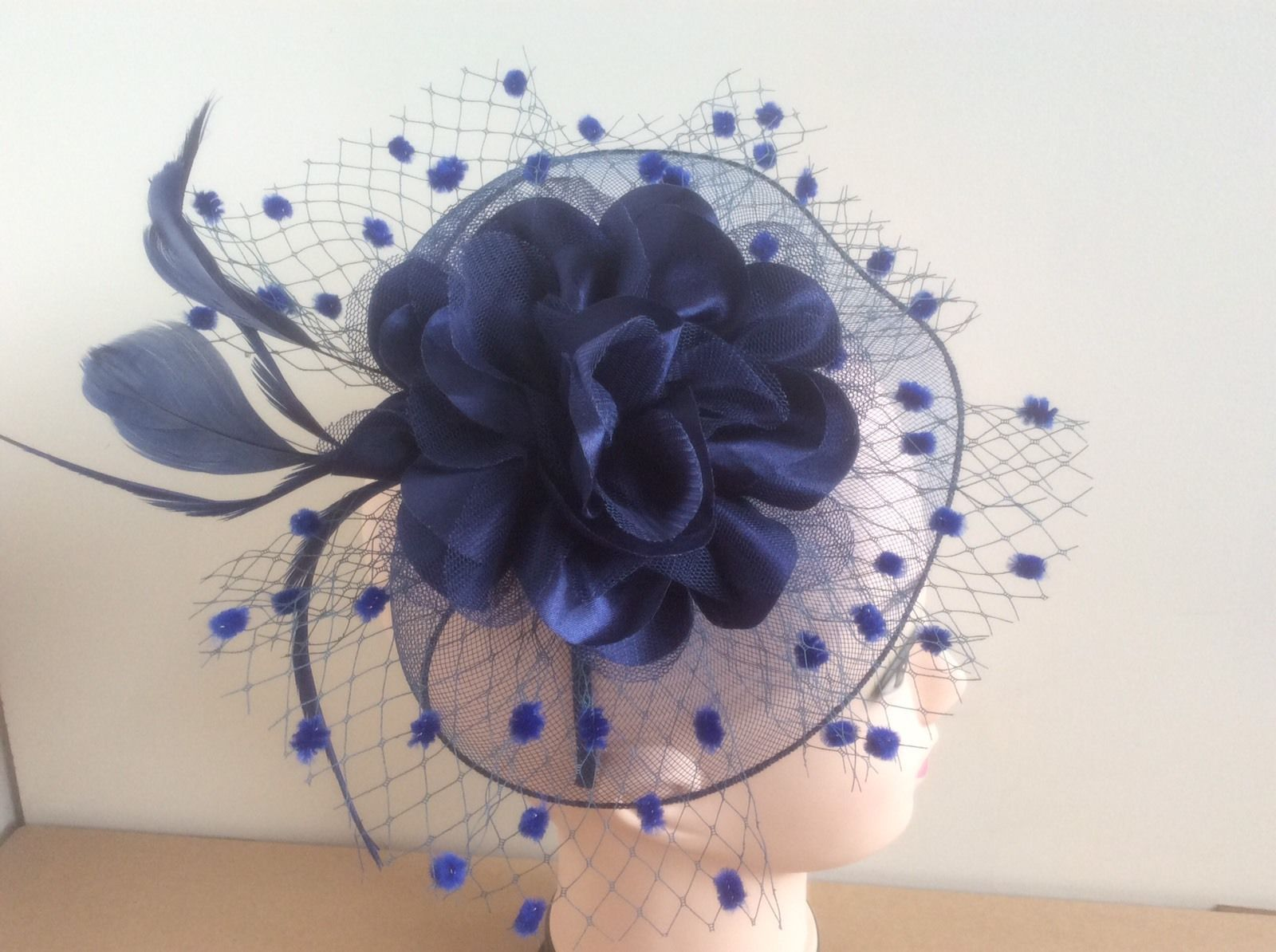 235f8f44d2a Elegant Headband Aliceband Hat Fascinator Wedding Ladies Day Race Royal  Ascot