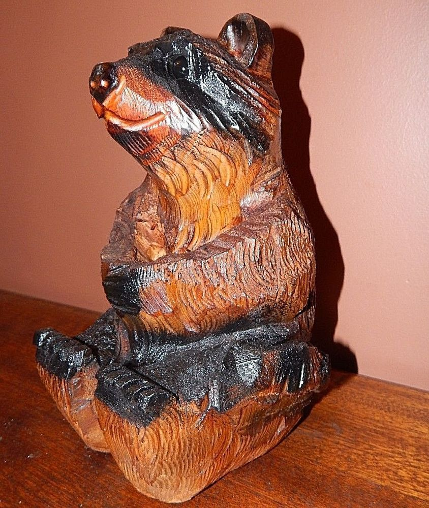 Handmade wood carved grizzly bear beautiful condition grizzly