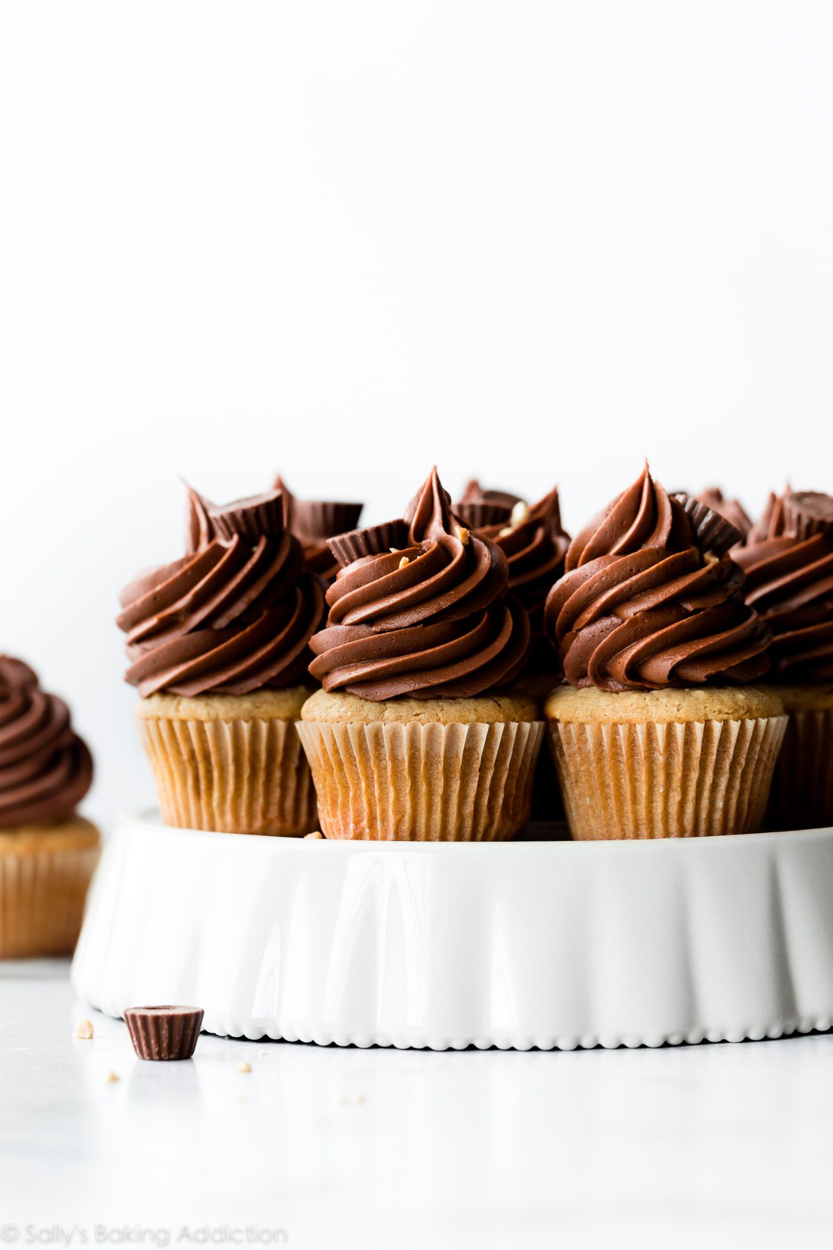 Peanut Butter Cupcakes With Chocolate Frosting With Images