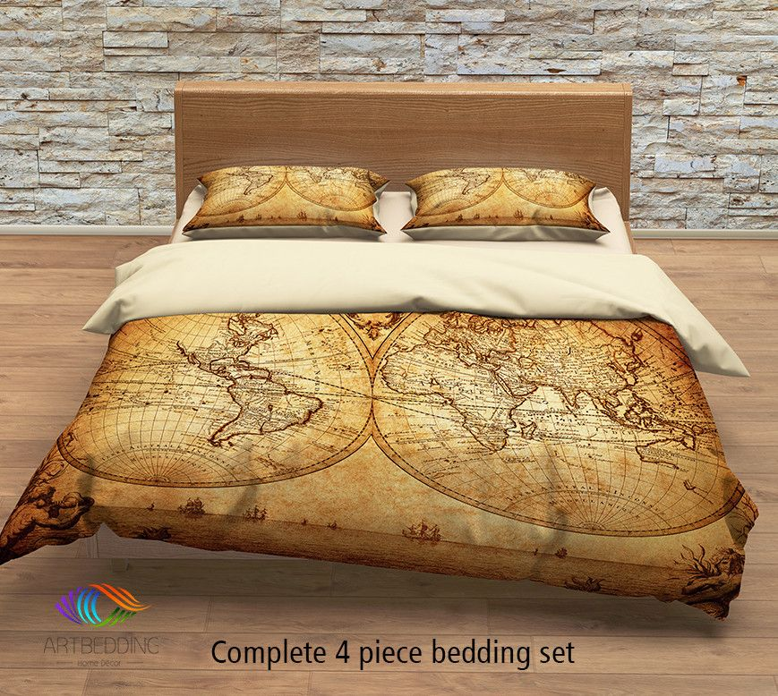 Vintage world map bedding, 1733 Historical old map of the ...