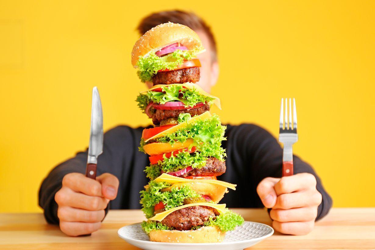 Rasvaa ja sokeria sisältävä nykyruoka sekoittaa mielihyväjärjestelmän.