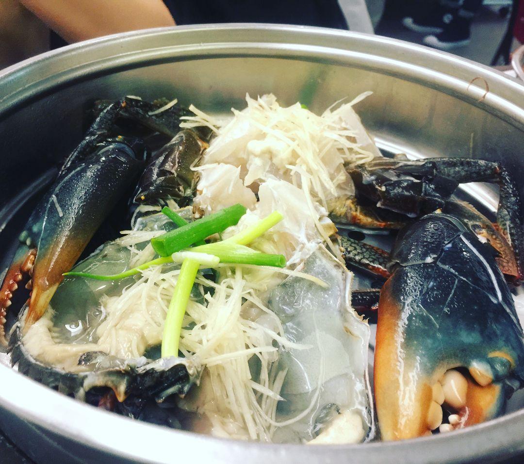 飽滿的大沙公好鮮甜 #沙公 #hotpot #seafood #crab #crablegs #fresh #steamcrab #steam #yum #taiwan