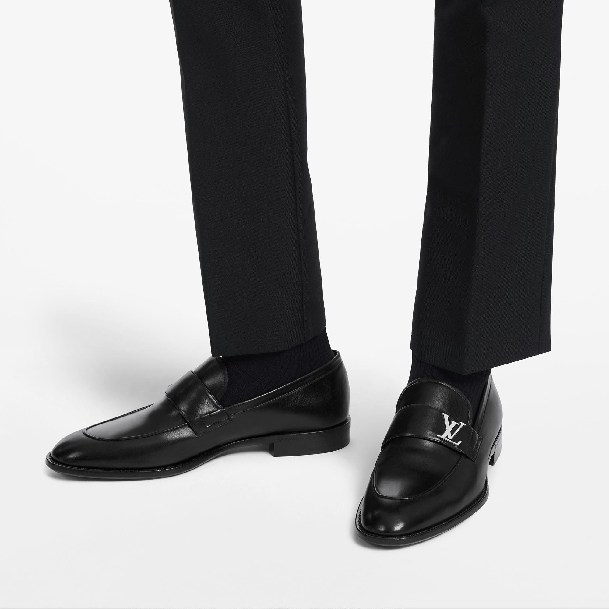 louis vuitton red bottom loafers