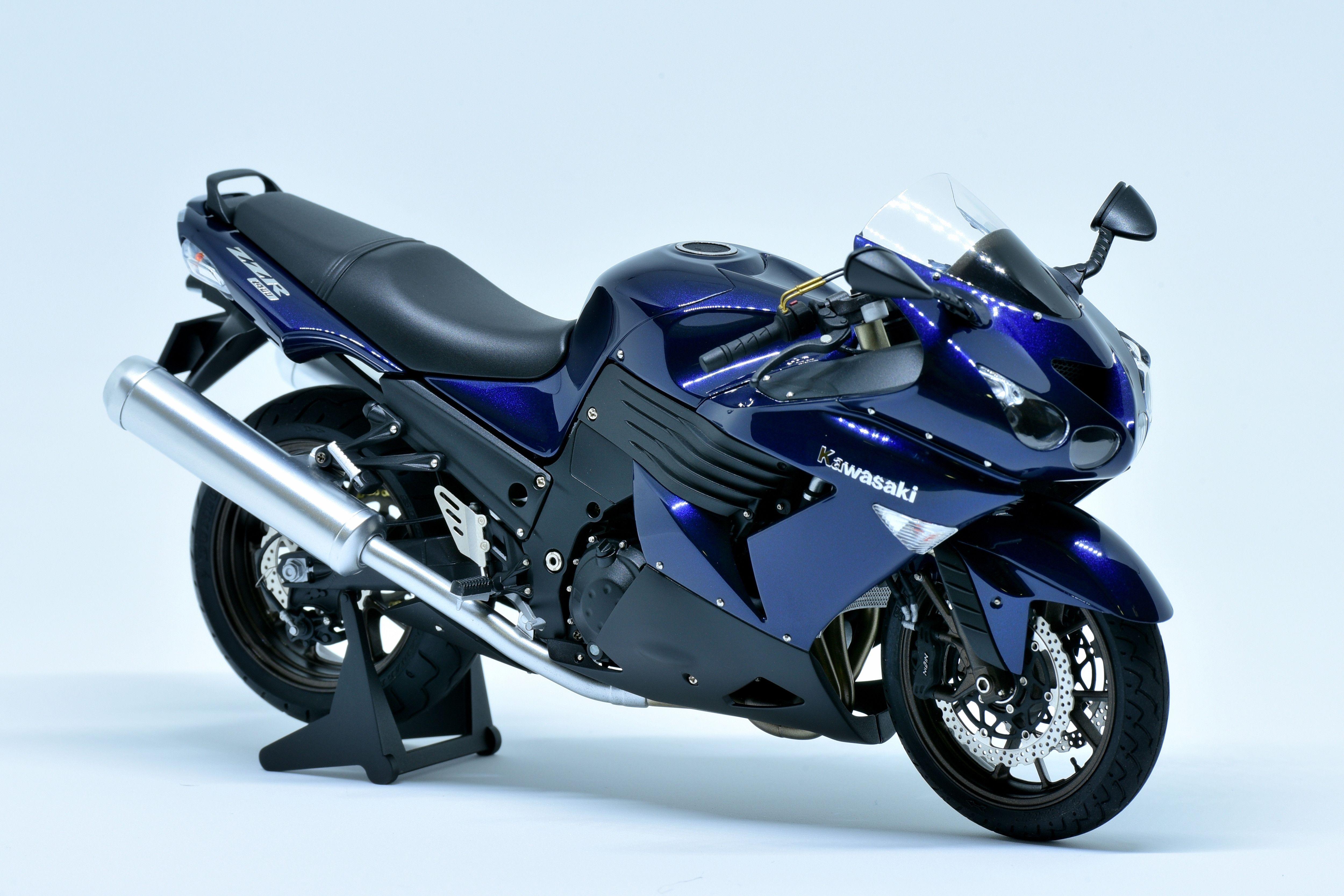 1 12 Kawasaki Zzr 1400 Motorsiklet