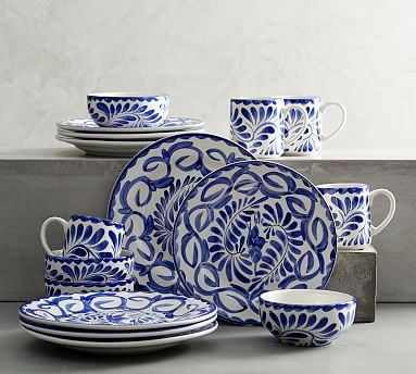 Pin On I Want Blue and white dinnerware sets