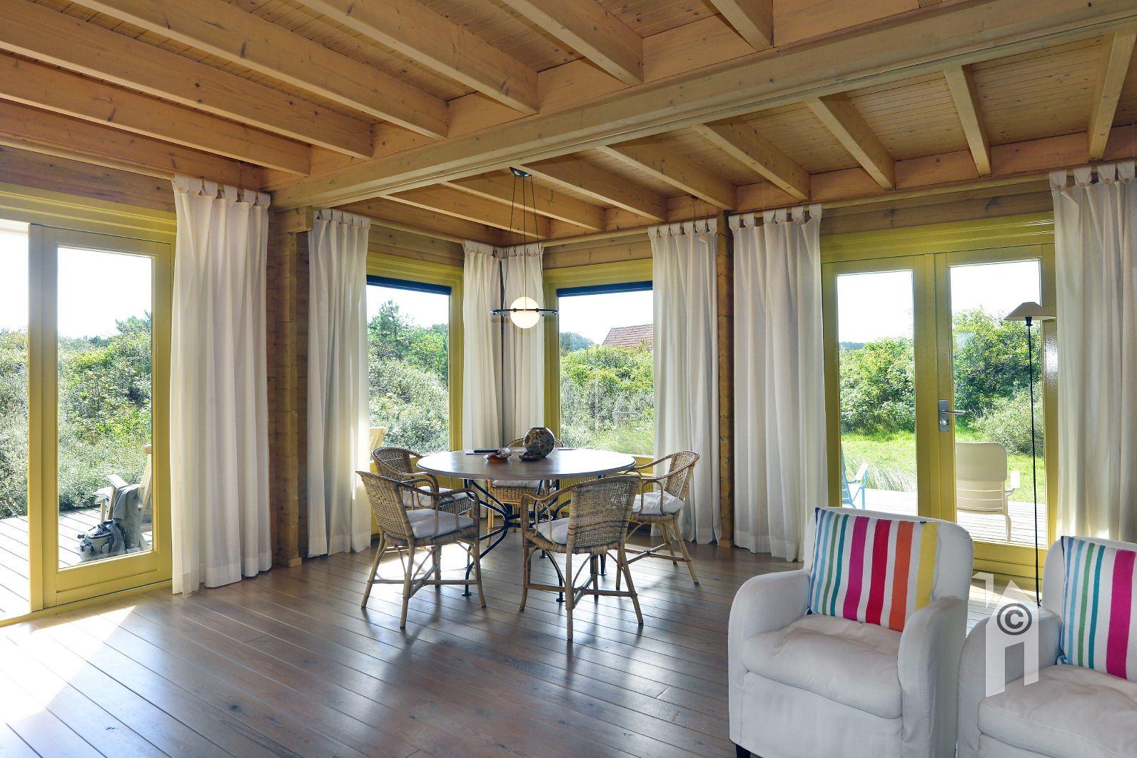 Open Woonkamer Indeling : De indeling beneden ruime terrassen een open woonkamer tegenover