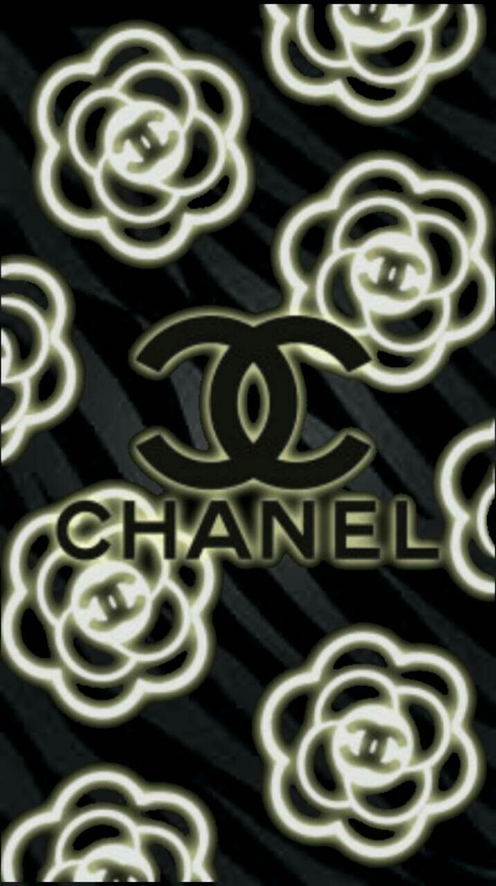 Pin By 𝑀𝒾𝒸𝒽𝑒𝓁𝓁𝑒 On Channel Chanel Wallpapers